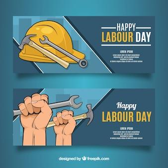 Conjunto de bandeiras do dia do trabalho com ferramentas