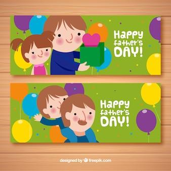 Conjunto de bandeiras do dia dos pais com crianças e presentes
