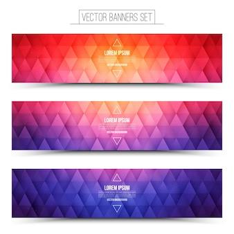 Conjunto de banners coloridos de estrutura triangular