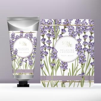 Conjunto de beleza de lavanda violeta com tubo de creme para as mãos em prata metálica e pacote de máscara ou sachê