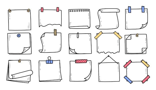 Conjunto de bloco de notas doodle desenhado à mão para notas de mensagens estilo doodle