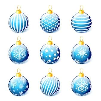 Conjunto de bolas de natal azuis isoladas no fundo branco