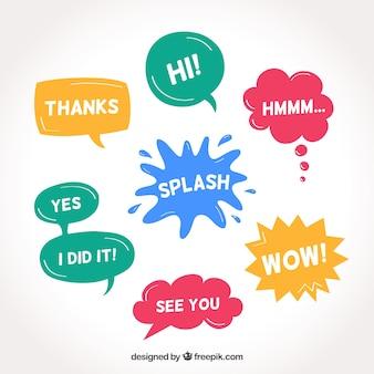 Conjunto de bolhas de fala de cores com mensagens
