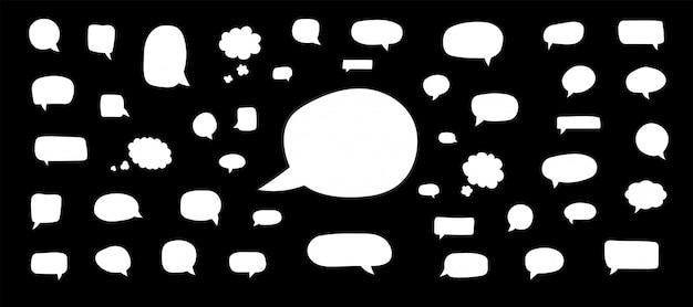 Conjunto de bolhas do discurso. bolhas em quadrinhos vazias retrô em branco. adesivos. balões de diálogo. ilustração.