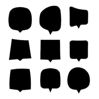 Conjunto de bolhas do discurso preto. coleção isolada das nuvens do diálogo ou do bate-papo no fundo branco.