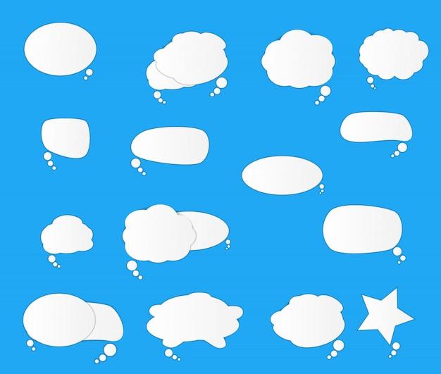 Conjunto de bolhas do discurso retrô em branco branco