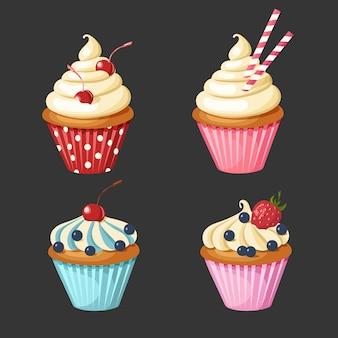 Conjunto de bolinhos doces. pastelaria decorada com cereja, morangos, mirtilos, doces.