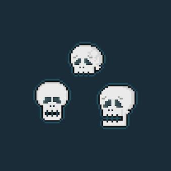 Conjunto de cabeça de crânio triste de pixel art cartoon.