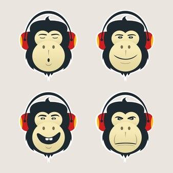 Conjunto de cabeças de macaco com fones de ouvido.