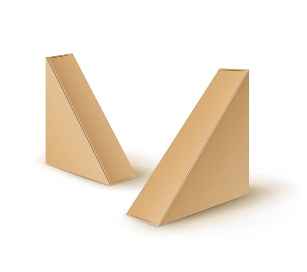 Conjunto de caixas de papelão marrom em branco triangular para levar embalagens para sanduíches, alimentos, presentes, outros produtos mock up close up isolado no fundo branco
