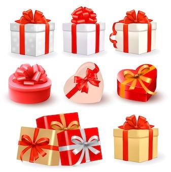 Conjunto de caixas de presente coloridas com laços e fitas.
