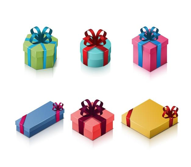 Conjunto de caixas de presente com laços e fitas. ilustração isométrica em branco