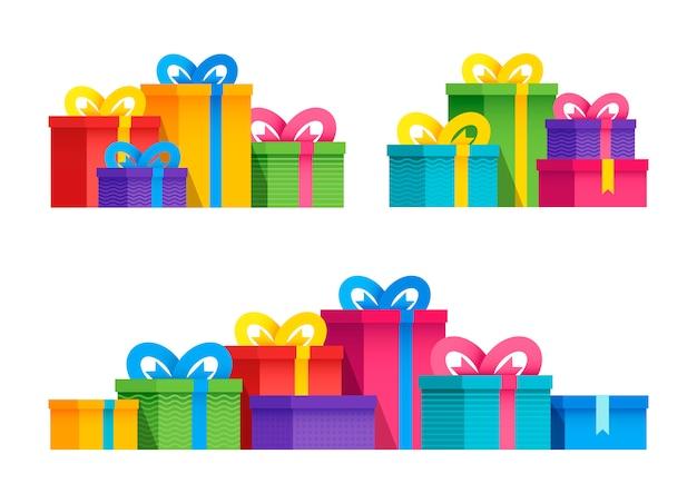 Conjunto de caixas de presente de grupo de variedades com fitas e laços. ilustração em vetor plana. embalado colorido.