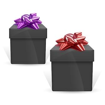 Conjunto de caixas de presente pretas com laços vermelhos e roxos