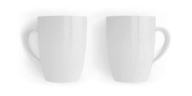 Conjunto de canecas brancas isoladas em branco