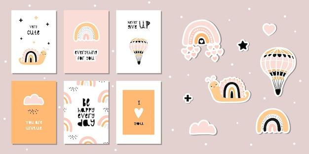 Conjunto de cartas com caracóis fofos e arco-íris. frases motivacionais