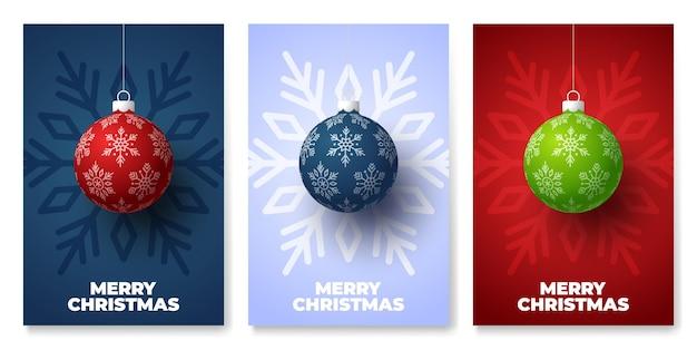 Conjunto de cartaz simples de bola de natal. conjunto de natal de fundos, cartões, cartazes da web, capas de férias. design com véspera de ano novo realista. ilustração em vetor