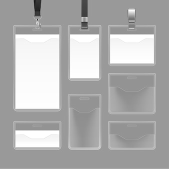 Conjunto de cartões de identificação branco vazio em branco e emblemas de plástico transparentes isolados em fundo cinza