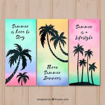 Conjunto de cartões de verão com silhueta de árvores de palma