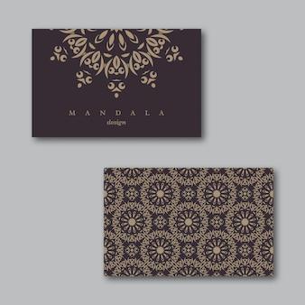 Conjunto de cartões de visita ornamentais com mandala e padrão