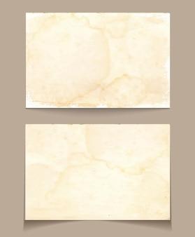 Conjunto de cartões de visita retro vazios isolado em fundo antigo
