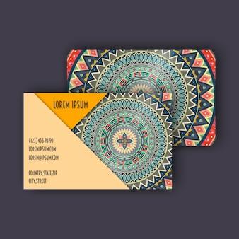 Conjunto de cartões de visita vintage vintage. padrão floral de mandala e ornamentos.