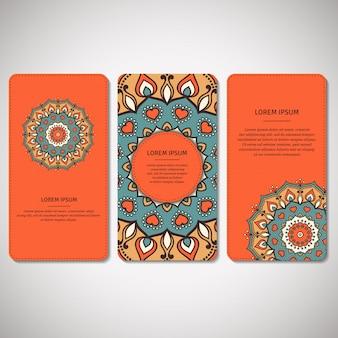 Conjunto de cartões ornamentais, folhetos com mandala de flor em laranja