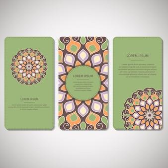 Conjunto de cartões ornamentais, folhetos com mandala de flor em verde