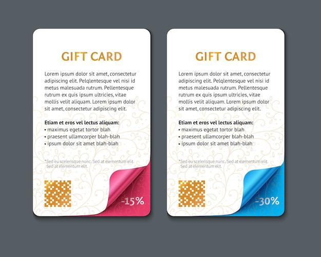 Conjunto de cartões-presente de papel verticais com cantos enrolados.