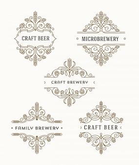 Conjunto de cerveja artesanal e microcervejaria floresce emblemas e logotipo - ilustração