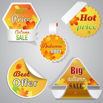 Conjunto de cinco rótulos de venda de outono com texto