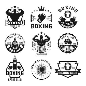 Conjunto de clube de boxe de etiquetas monocromáticas, distintivos, emblemas e logotipos isolados no branco