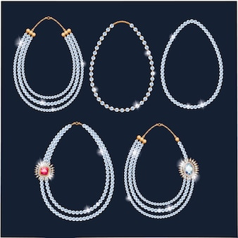 Conjunto de colares de pérolas.
