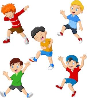 Conjunto de coleta feliz de meninos dos desenhos animados