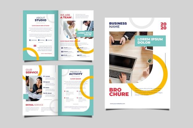 Conjunto de conceito de brochura de negócios