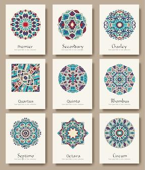 Conjunto de conceito de ilustração de conjunto de ornamento de páginas de panfleto tradicionais