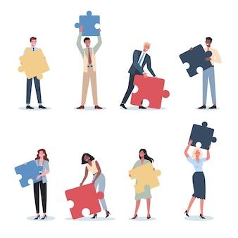 Conjunto de conceitos de trabalho em equipe. homem de negócios e mulher segurando a peça do quebra-cabeça. colaboração, comunicação e solução do trabalhador.