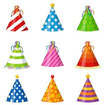 Conjunto de cones de chapéus de festa coloridos isolado. acessório, símbolo do feriado. conjunto de tampas de aniversário.