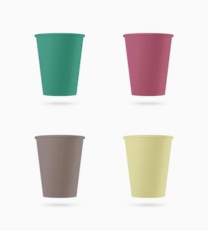 Conjunto de copos de papel colorido.