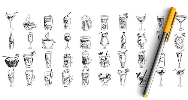 Conjunto de coquetéis doodle isolado no branco