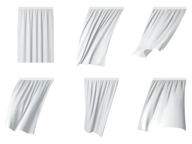 Conjunto de cortinas de babado branco.
