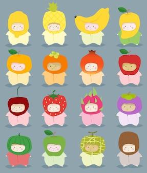 Conjunto de crianças em trajes de frutas bonitos