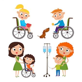 Conjunto de desenhos animados com crianças - mãe com seu filho pequeno doente, menino e menina em uma cadeira de rodas isolada no branco.