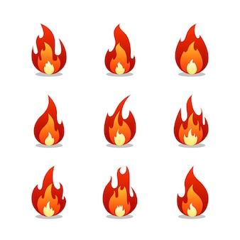 Conjunto de desenhos animados de chamas de fogo. coleção de elemento em chamas quentes. ilustração plana.