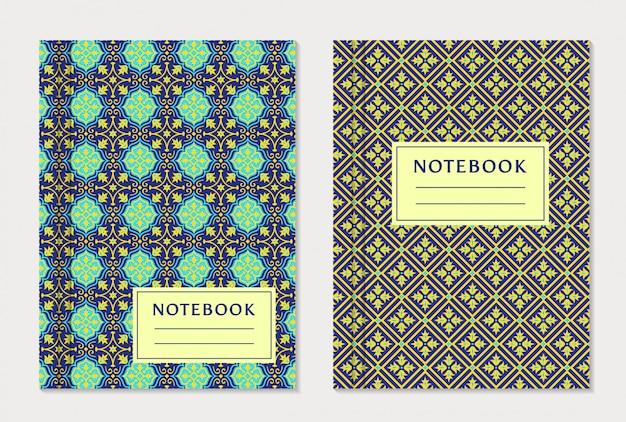 Conjunto de desenhos de capa de caderno.
