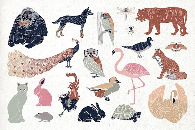 Conjunto de desenhos vintage de linogravura de pássaros selvagens