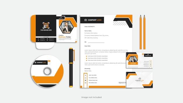 Conjunto de design de papelaria profissional corporativo 4.