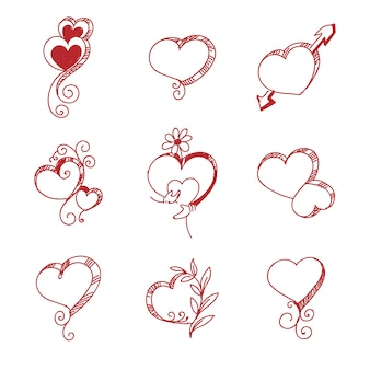 Conjunto de diferentes corações vermelhos.