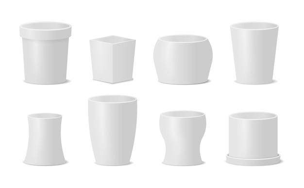 Conjunto de diferentes vasos para plantas e flores em estilo realista.