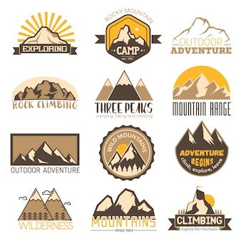 Conjunto de distintivo de viagens de vetor ao ar livre de montanha